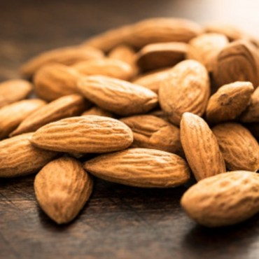 ALMONDS-DETAIL